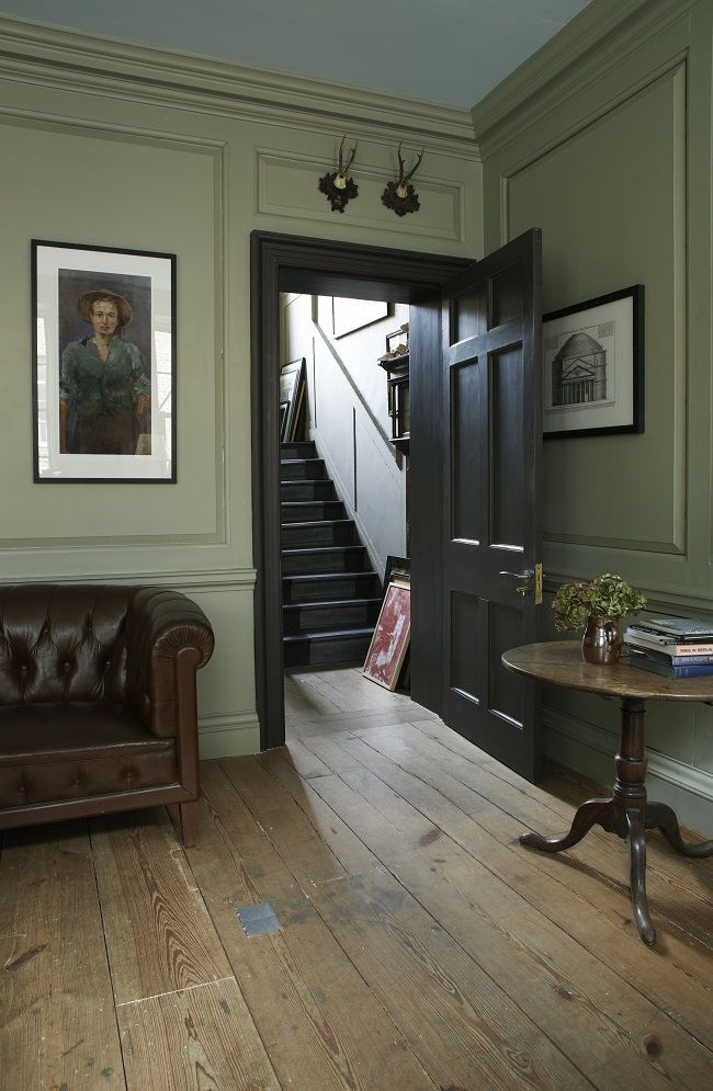 We recently sat down with the amazing Joa Studholme, Farrow & Ball's International Colour Consultant, who shared a glimpse into the decor of her own home, her interior design secrets and even tips on how to style some of our own sofa.com pieces... Joa, we.