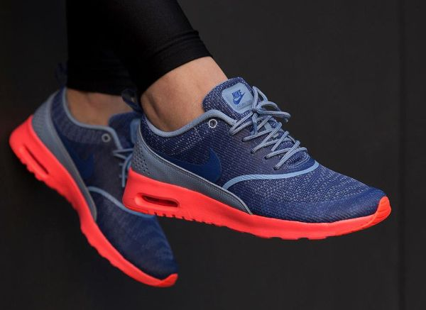 nike air max thea pink blue white background