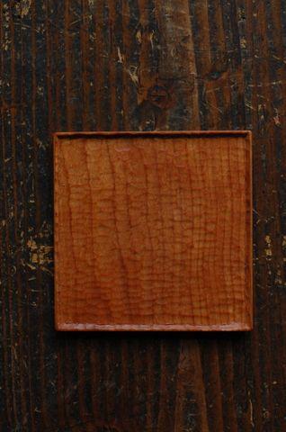 益子陶器市/工房からの風  益子町で製作されている古橋治人さんの木の角皿と、古橋真理子さんのリネンのたわしです。治人さんは、建築設計、家具製作、そして...