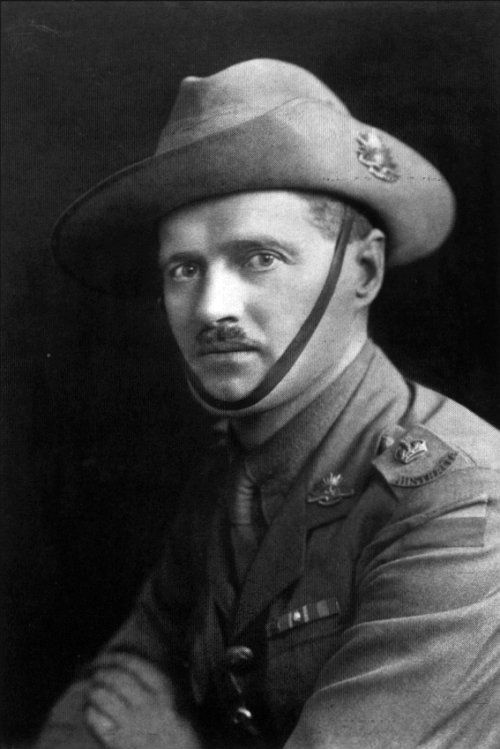 Lt Col Harry Murray VC CMG DSO & Bar DCM Most decorated British Empire soldier in WW1.