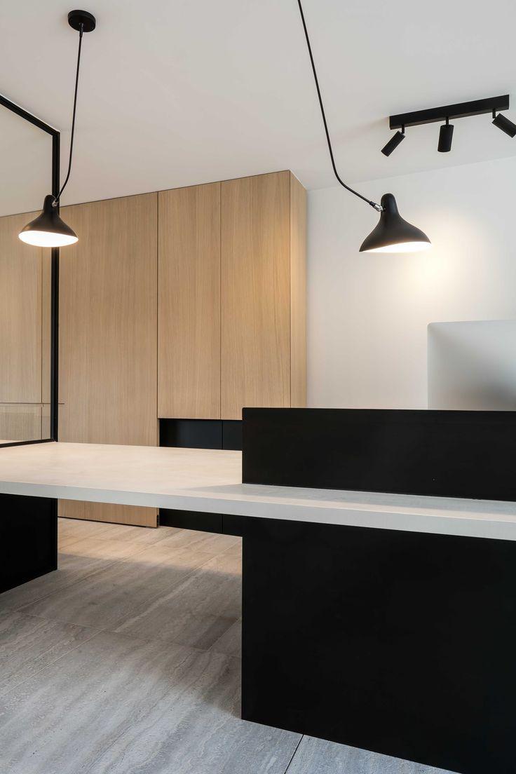 http://www.hullebusch.be/nl/referentie/6/muzillac-veine---agripa-fijn mooie balans zwart/wit/hout
