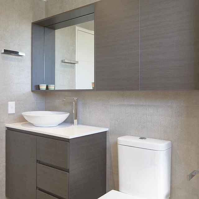 Early this year we produced this beautiful shaving cabinet for the team at Integriti Bathrooms, designed to specifically match the vanity from Timberline. They spoke about this bathroom renovation on their blog and today we would love to share that with you - just click the link in our profile! #totalkitchens #shavingcabinet #cabinetry #cabinetmaker #bathroom #bathroomdesign #bathroommirror #interiordesign #interiors #bathroom #integritibathrooms