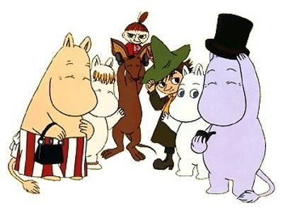The Moomin family with Sniff, Snufkin and Little My. Look at her fierce hairdo, hehe. No wonder she is a little hurricane.