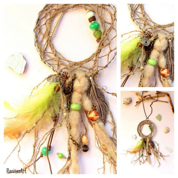 Beautiful dream catcher necklace apple green. Natural rustic yarn.  Necklace about 76 cm long + dream catcher. Dream catcher approx. 7 cm diametre.