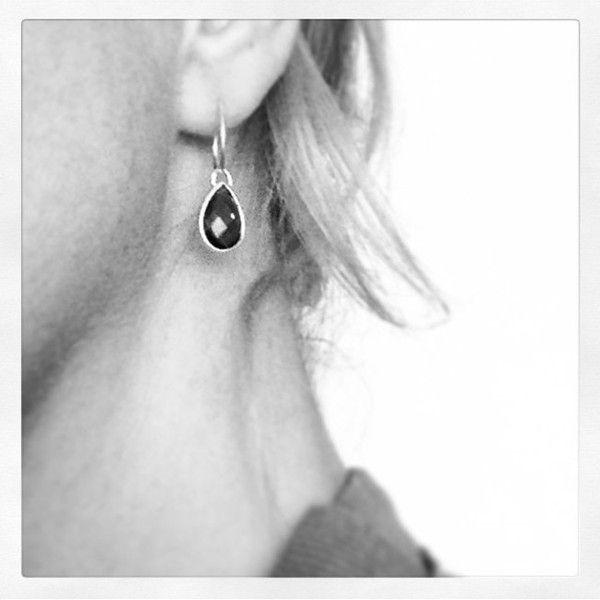 Zwart kristallen druppel oorbellen midnight silver hangers caviar | Applepiepieces