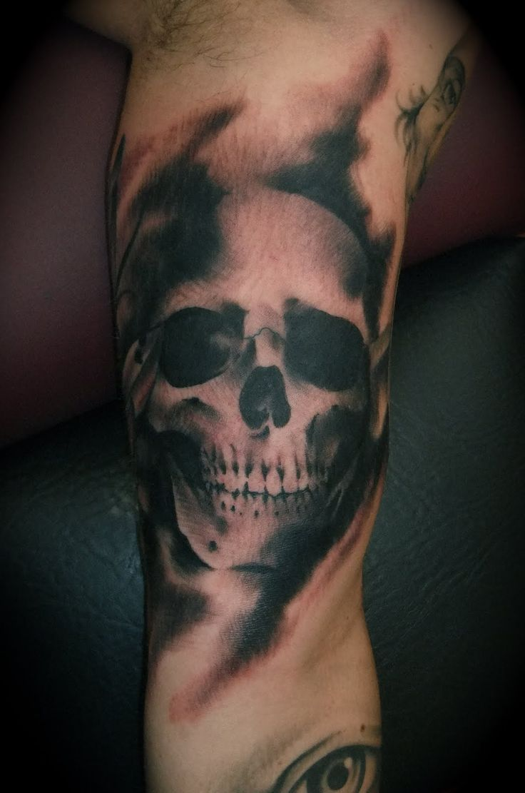 black-and-white-skull-sleeve-tattoo-design