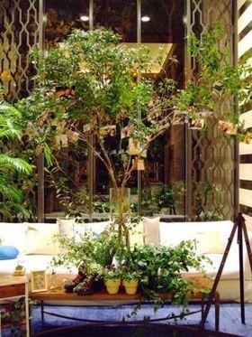 【ウェルカムスペースも】森みたい…グリーンをふんだんに使ったナチュラルウェディング【装花も】 - NAVER まとめ