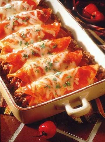 Beef Enchiladas - This enchilada recipe will have you at the dinner table in less than an hour. Hispanic Kitchen