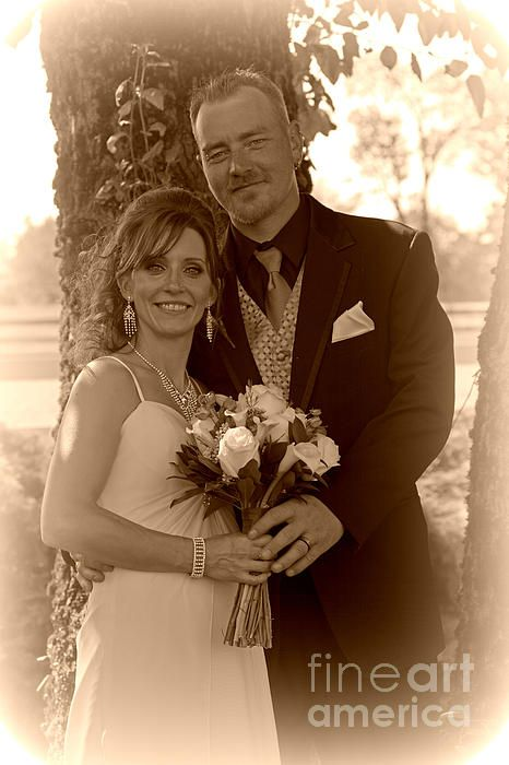 Wedding Sepia image. www.rharrisphotos.com