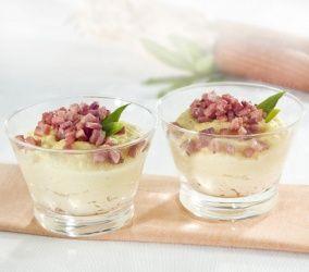 Un antipasto con ingredienti tipici della tradizione: la polena, il parmigiano e il prosciutto, con l'aggiunta del rafano, che conferisce un sapore piccante a questa ricetta