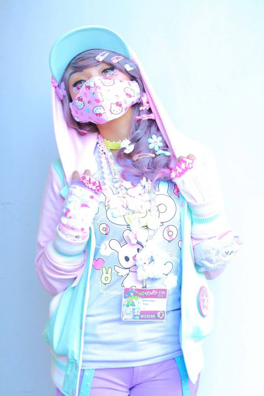 I honestly LOVE this, maybe my tomboy days are over and now I must transfer to the pastel goth side