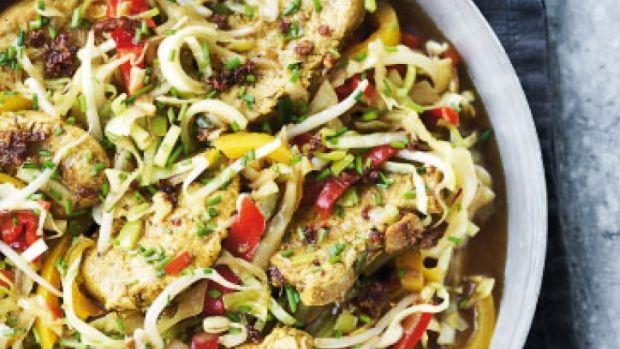 Mørbrad i wok med ingefær og sprøde grøntsager | Femina