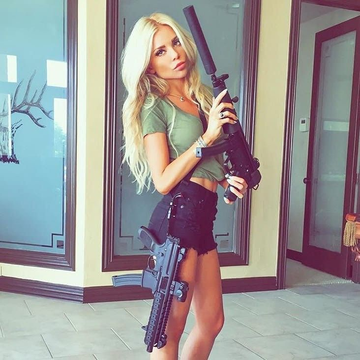 Pin By Andy On Girls With Guns