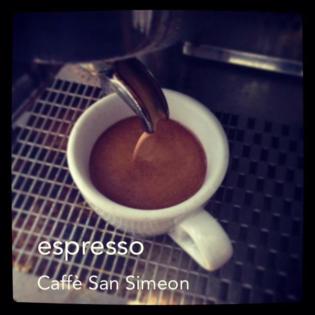 Le meilleur espresso et cappuccino dans la Petite Italie.  The best espresso and cappuccino in Little Italy.   39 Dante Montreal Québec
