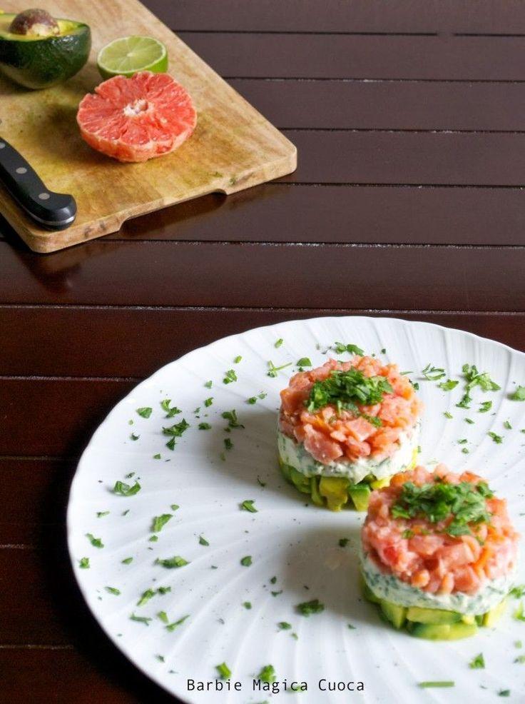 (finta) Tartare di salmone, ogni strato un colore!   Barbie magica cuoca - blog di cucina