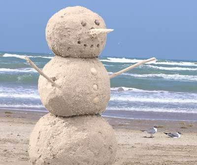 BeachMan ;)Beach Christmas, Sands Castles, Sands Snowman, At The Beach, Christmas Cards Photos, Families Holiday, Christmas Photos, Dreams Cars, Coastal Christmas