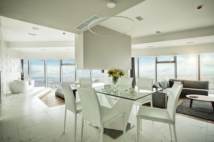 Apartament w bieli  na 33. piętrze SKY TOWER Apartament w bieli  na 33. piętrze SKY TOWER