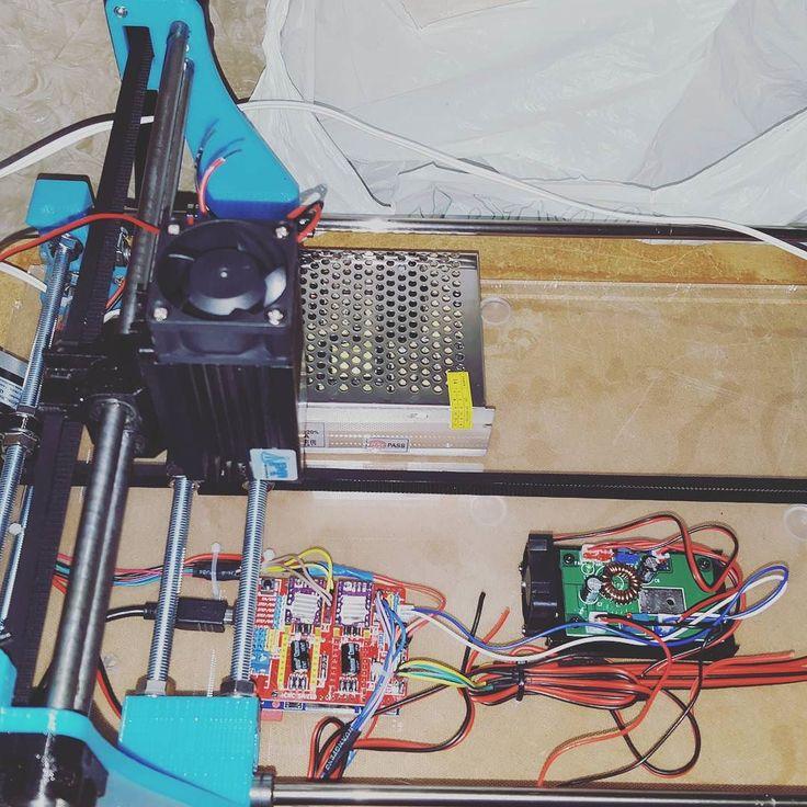 Montaggio  #cncmachining #cnc #cncc #thingiverse #custommade #3dprint #make #makeraddictz #3d #laser #madeinitaly #3dcustomcase #nema #ingegneria #meccanica #arduino #shield #creative #personal #personalised #autocostruzione #lasercut #mydesigns by marco_break