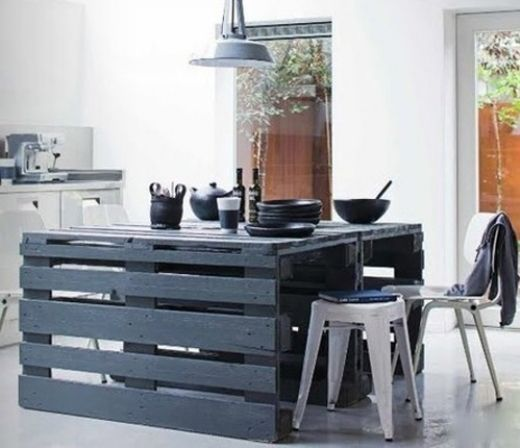 shipping pallets turned kitchen island | style-files.com | cultivate