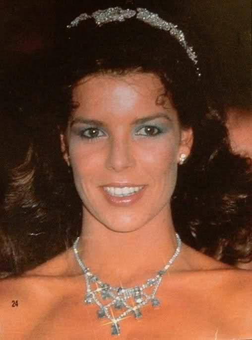 Princess Caroline Jewellery (Monaco and Hanover) - Red Cross Ball 1985