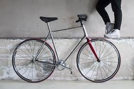 Las-tig, Anne Pabon. Collectie Veenhuizen. Als een gedetineerde de fiets correct kan lassen, voldoet hij direct aan alle vaardigheden van het Tig-lasdiploma .