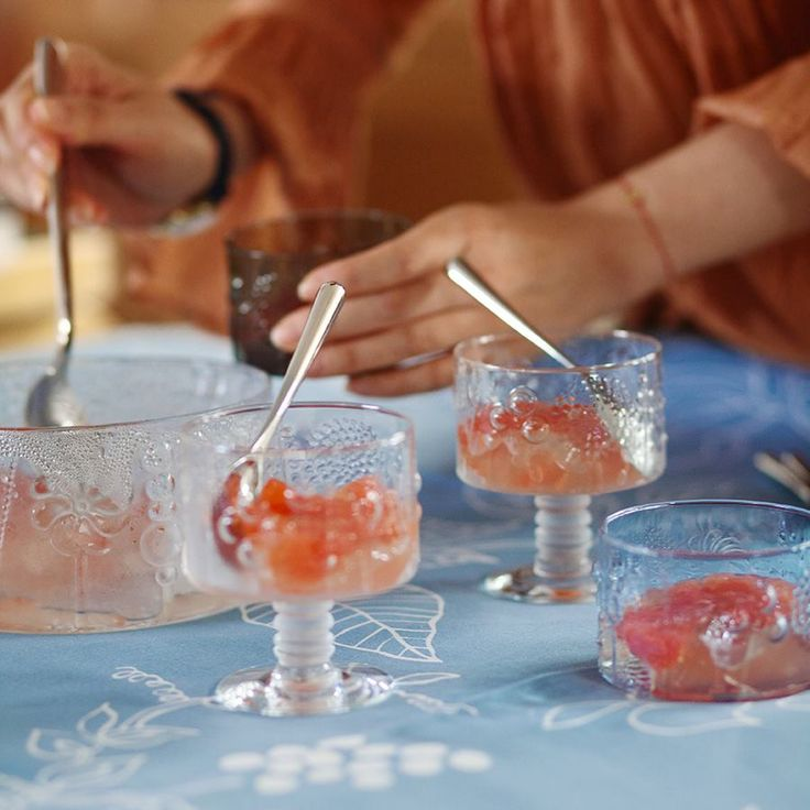 Fruit punch on the Nuurajarvi vintage Flora and iittala Flora glasses.