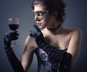 Hosting a Murder Mystery Dinner Party: Dos and Don'ts - Entertaining.Answers.com