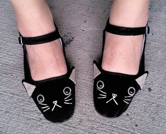 #Cat Shoes - Embroidered Kitty #Flats Mary Janes #etsy $25