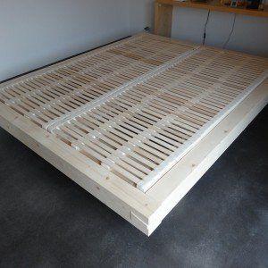 Bettrahmen aus Balken   Schreinerei Holzlabor Bern