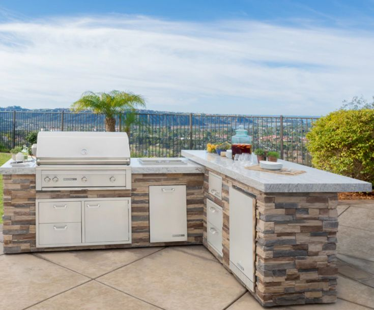 Pin by Akilah Johnson on Houses   Outdoor kitchen bars