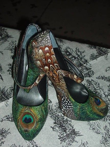 Wow!  Beautiful footwear! Perfect for a peacock themed wedding!