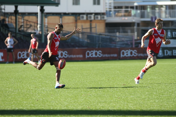 Lewis Jetta drives the ball down the SCG at Swans Training 4/9/12