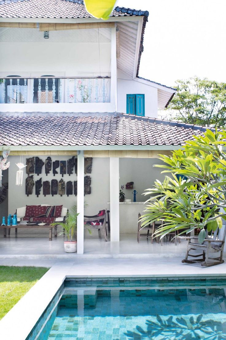 11 ideas for a Balinese-style home Photography by Prue Ruscoe. Styling and Production by Tami Christiansen. From the January 2017 issue of Inside Out Magazine. Available from newsagents, Zinio, https://au.zinio.com/magazine/Inside-Out-/pr-500646627/cat-cat1680012#/, Google Play, https://play.google.com/store/newsstand/details/Inside_Out?id=CAowu8qZAQ, Apple's Newsstand,https://play.google.com/store/newsstand/details/Inside_Out?id=CAowu8qZAQ, and Nook.
