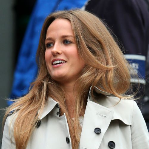 Kim Sears - Andy Murray's girlfriend - followed obsessively by press - when will they marry, how to get her hair, what is she wearing...