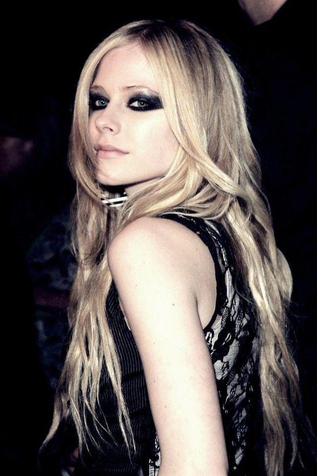Avril lavingne naked pics