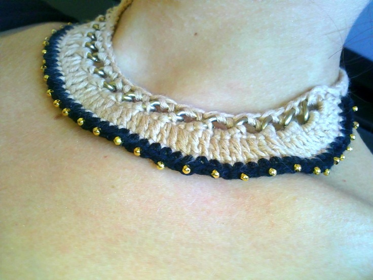Vintage crochet necklace with coppery chain and gold details   *closer look ♥