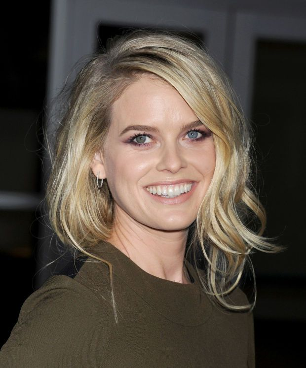 Alice Eve at the 2015 premiere of 'Before We Go'. http://beautyeditor.ca/2015/09/08/best-beauty-looks-kate-bosworth