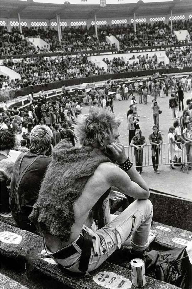 Paul Simonon, bass player for The Clash, in the audience of the first European Punk festival, Mont de Marsan (France), August 5-6 1977