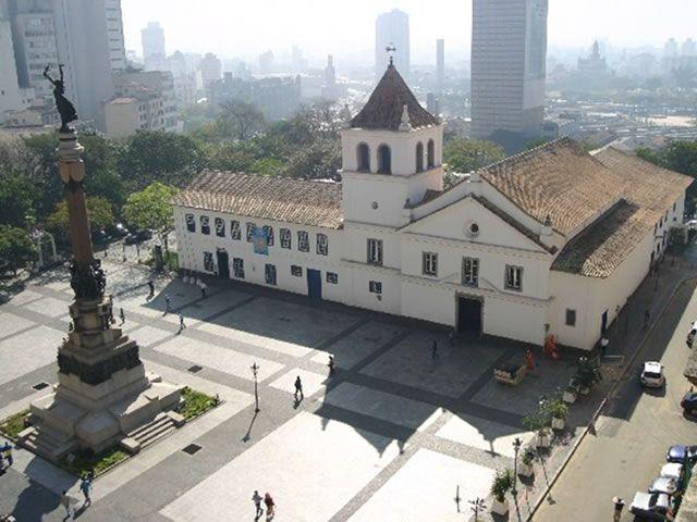 Ciência e Cultura (Licenciatura do IFUSP) :: Blog :: Do Grupo Ciência e Sociedade: A arquitetura do Páteo do Colégio
