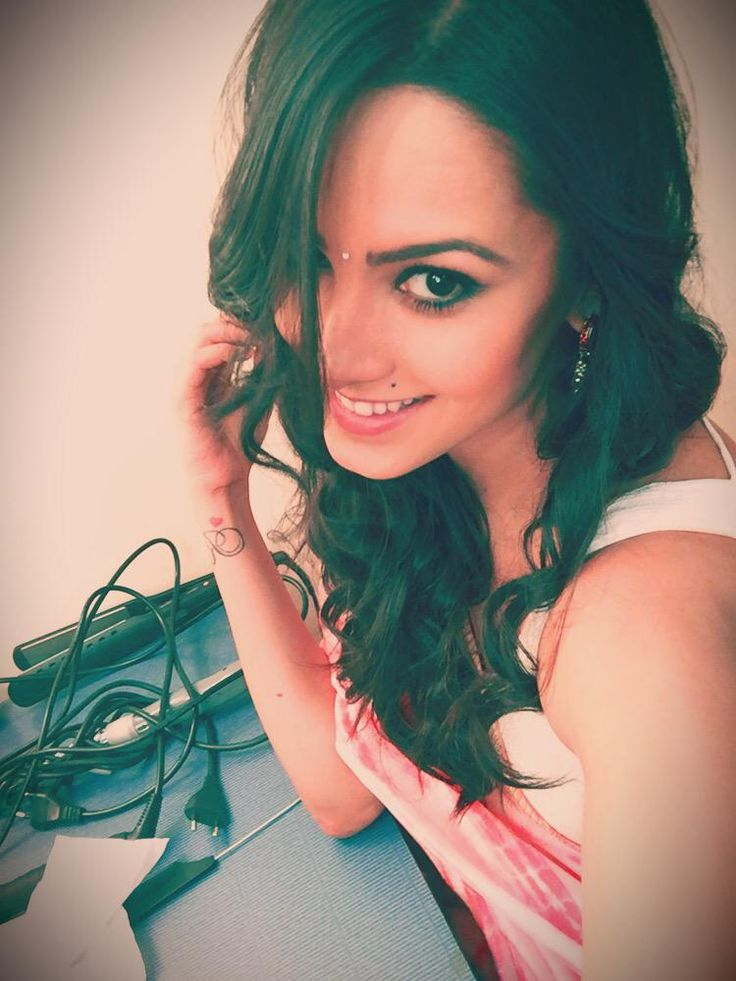 "Anita Hassanandani aka Shagun of ""Yeh Hai Mohabbatein"" is participating in dance reality show ""Jhalak Dikhhla Jaa 8""."
