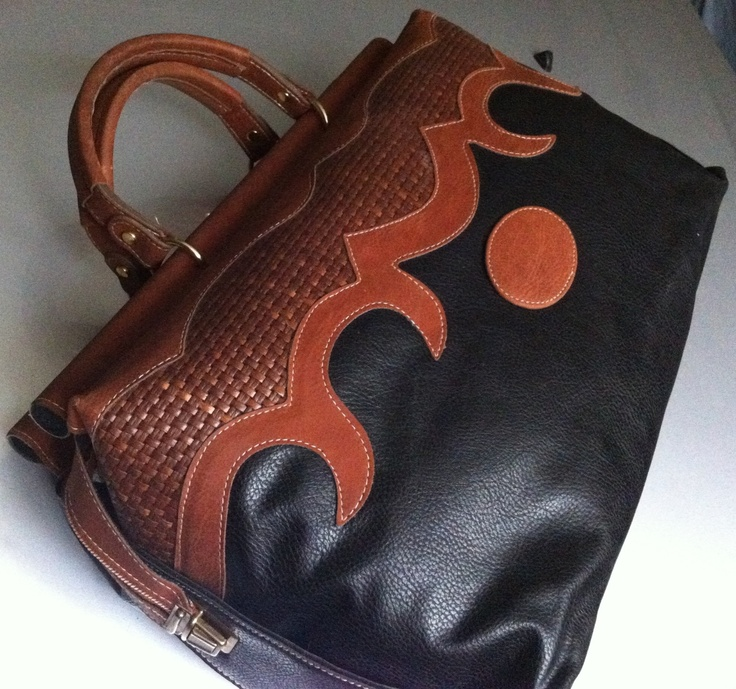 Borsa grande stile valigetta in pelle nera e cuoio #suitcase