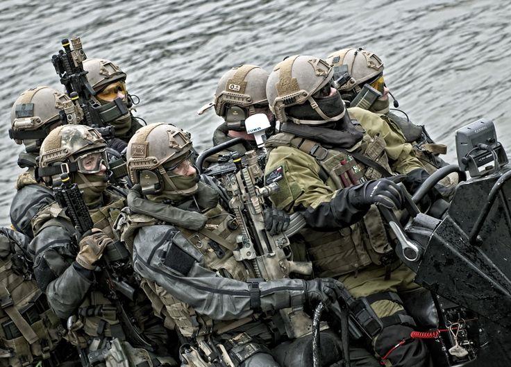 http://www.defence24.pl/galeria/polscy-specjalsi-w-akcji