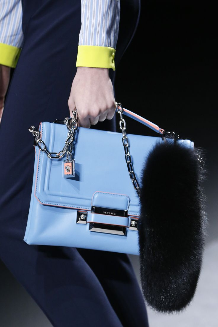 Versace Fall 2016 Ready to Wear Accessories Photos   Vogue
