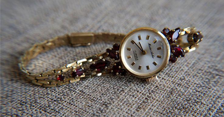 Часы женские наручные. Серебро, гранаты. Германия. 1960 гг.