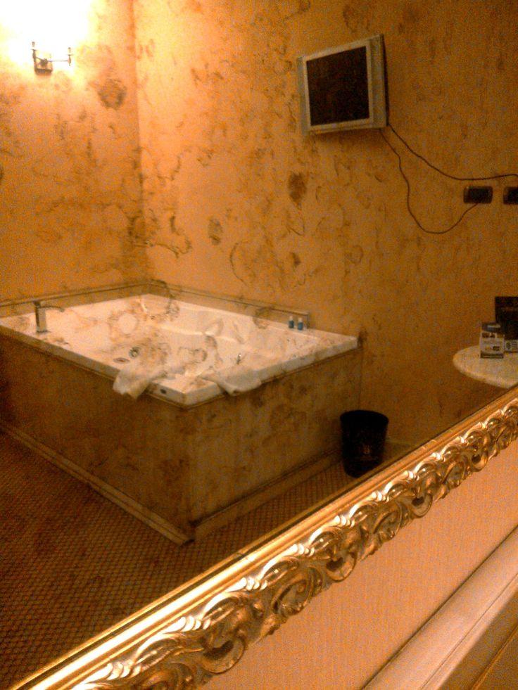 Oltre 1000 idee su camera vasca idromassaggio su pinterest