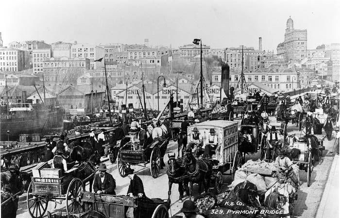 Peak hour on the Pyrmont Bridge (c.1904)