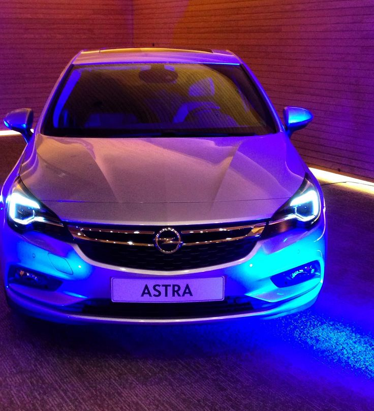https://flic.kr/p/LB51qy   Opel Astra 2017   Lanzamiento en Chile