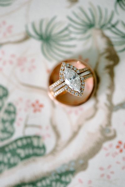 vintage-cut wedding ring