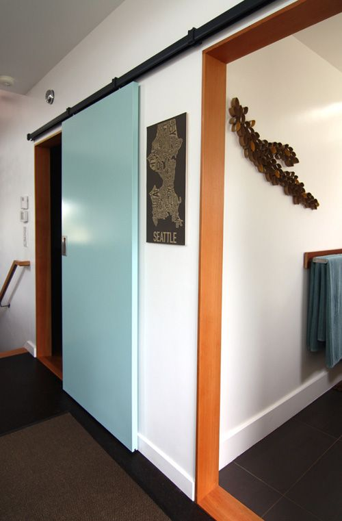 i like this leaf thing on the wall.  and the blue door, but i could make the leaf thing!