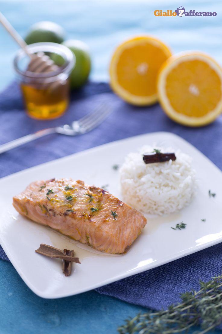 Il salmone glassato al miele (honey glazed salmon) è caratterizzato da una nota agrumata e speziata perfetta per essere accompagnata con del buon riso pilaf, in un binomio tutto da provare per #SanValentino! #ricetta #GialloZafferano #italianfood #italianrecipe #ValentinesDay http://speciali.giallozafferano.it/san-valentino